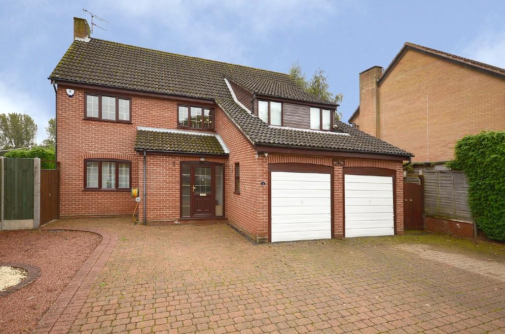 5 Bedrooms Detached House for sale in Woodgate, Cringleford