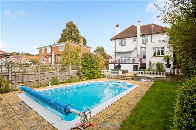 4 Bedrooms Detached House for sale in Shirley Drive, Hove