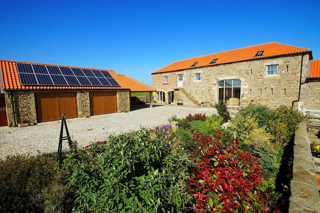 4 Bedrooms Barn Conversion Character Property