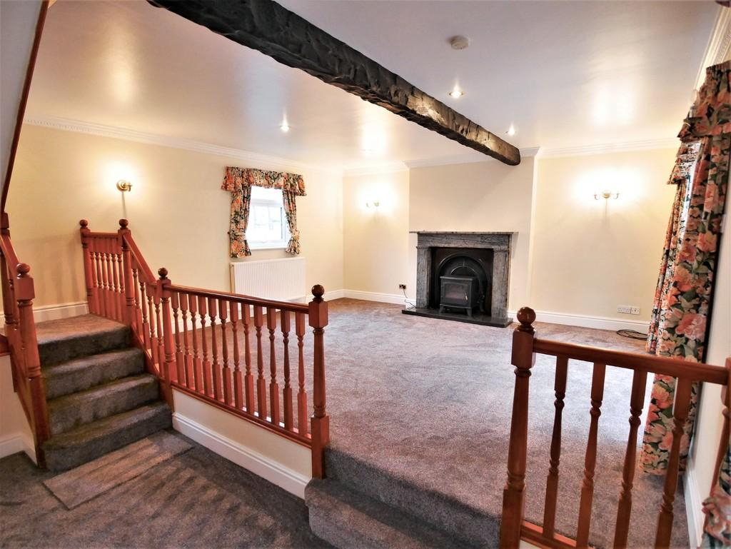 2 Bedrooms Apartment Flat for rent in 6c Market Place, Howden