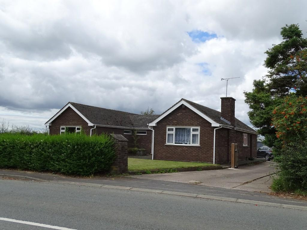 3 Bedrooms Detached Bungalow for sale in Ashton Lane, Chester