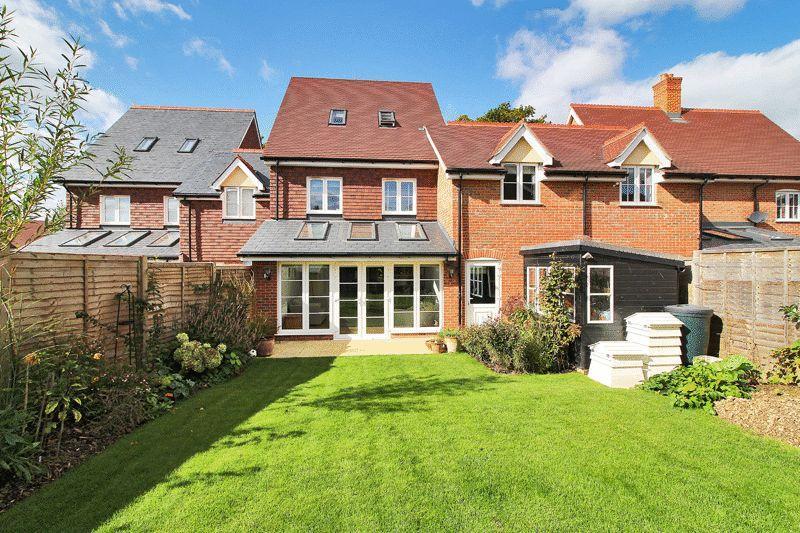 4 Bedrooms Link Detached House for sale in Cook Way, Wickhurst Green