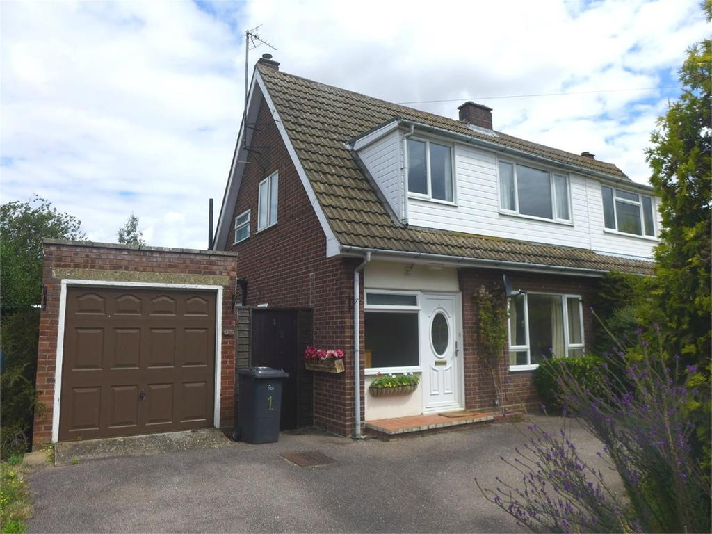 3 Bedrooms Semi Detached House for rent in Sand Lane, Northill, SG18