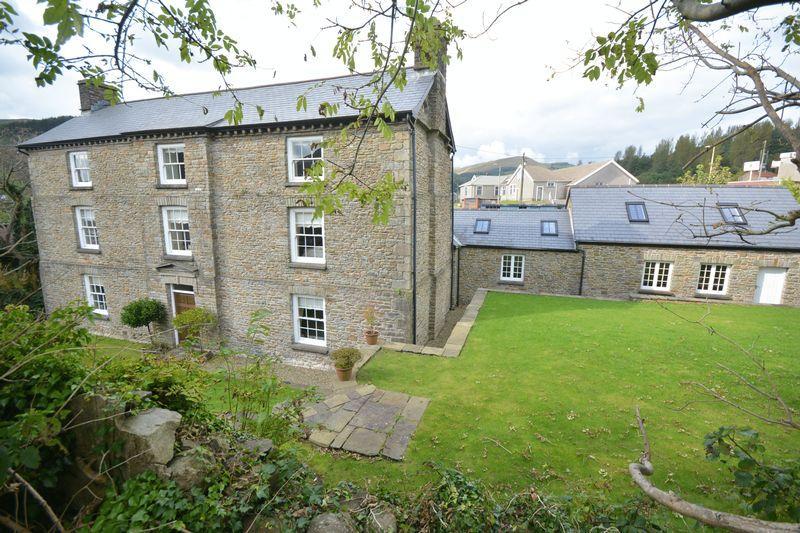 4 Bedrooms Detached House for sale in Blaen Ogwr Farm, Ogwy Street, Nantymoel, Bridgend