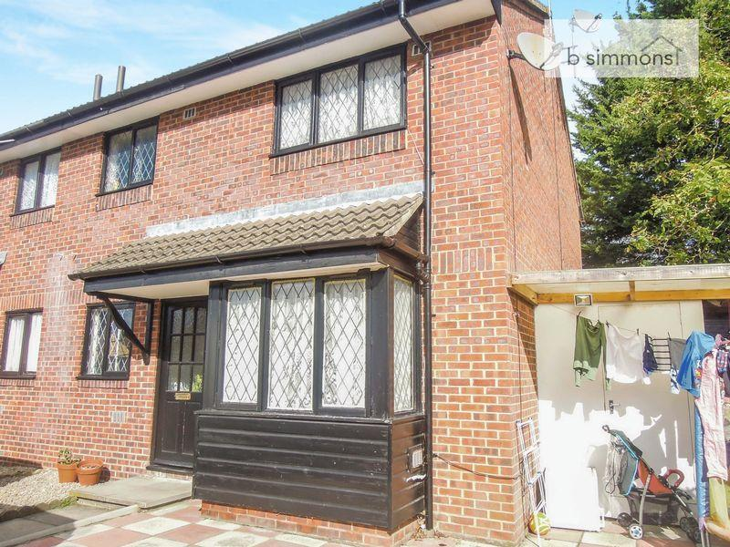 1 Bedroom Cluster House for sale in The Drive, Langley