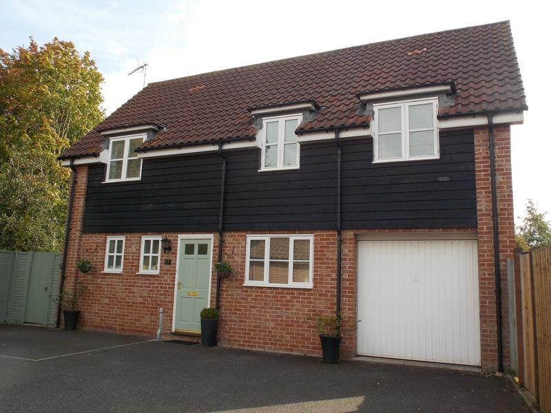 3 Bedrooms Detached House for sale in Daisy Avenue, Bury St Edmunds