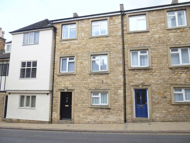 3 Bedrooms Terraced House for rent in High Street, Stamford