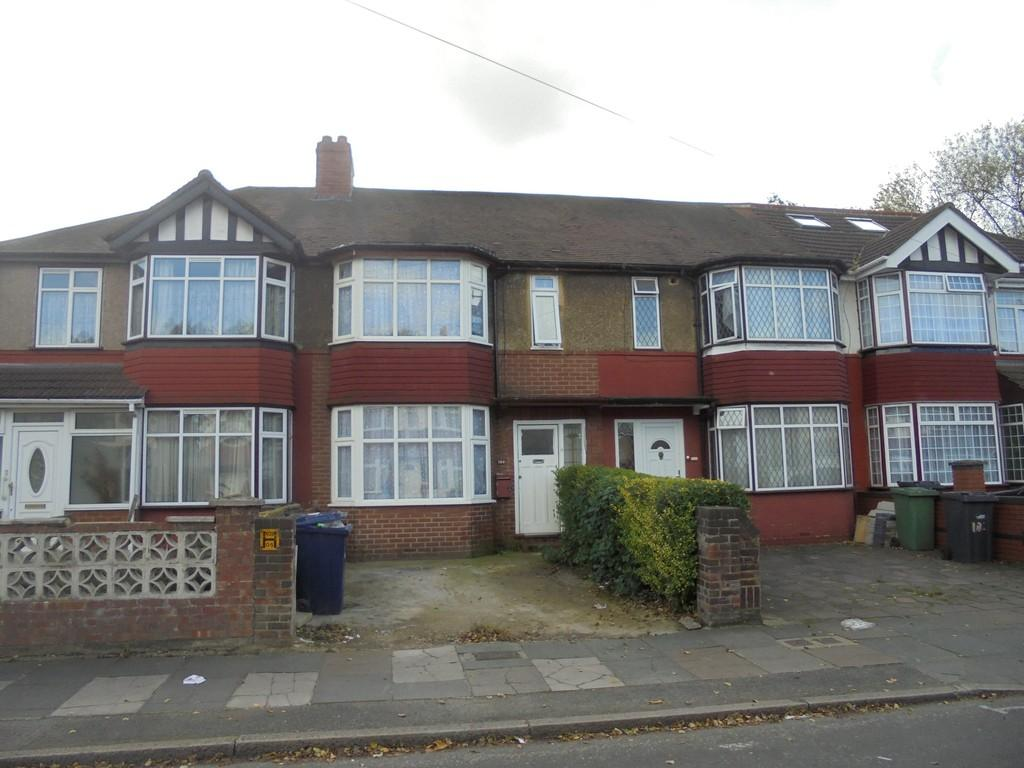 3 Bedrooms Terraced House for sale in Park Avenue