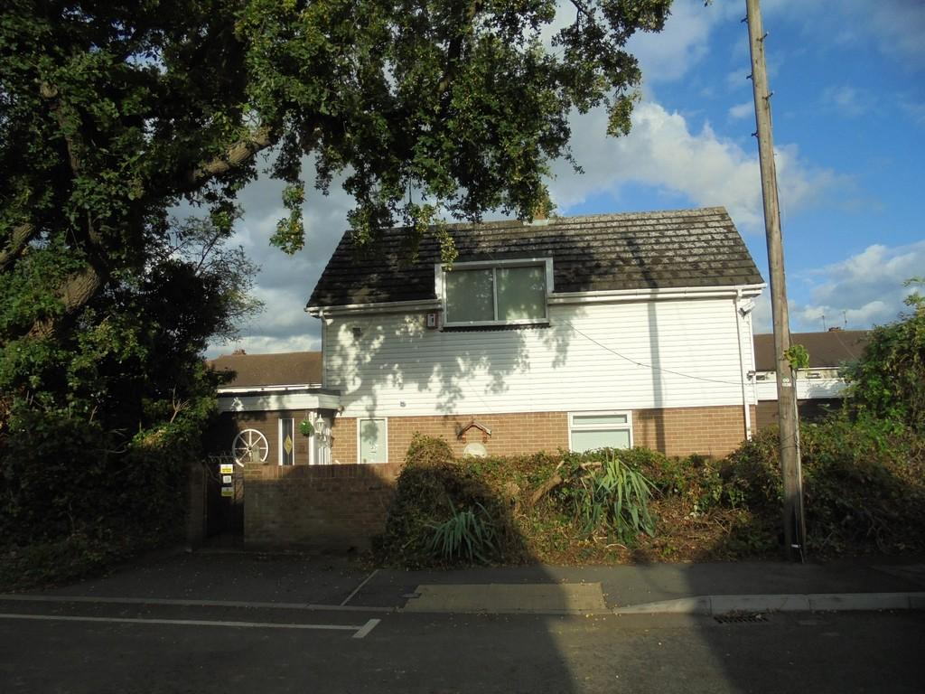 3 Bedrooms Detached House for sale in Brook Path, Cippenham