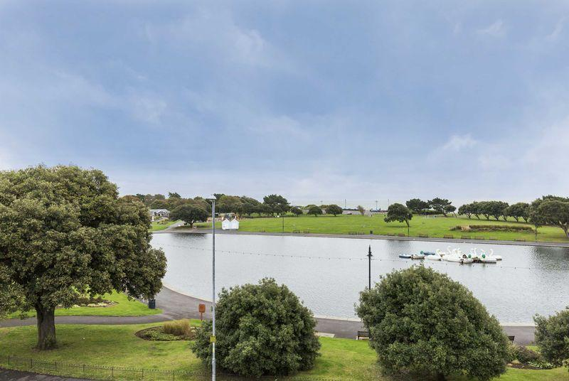 3 Bedrooms Apartment Flat for sale in St. Helens Parade, Southsea