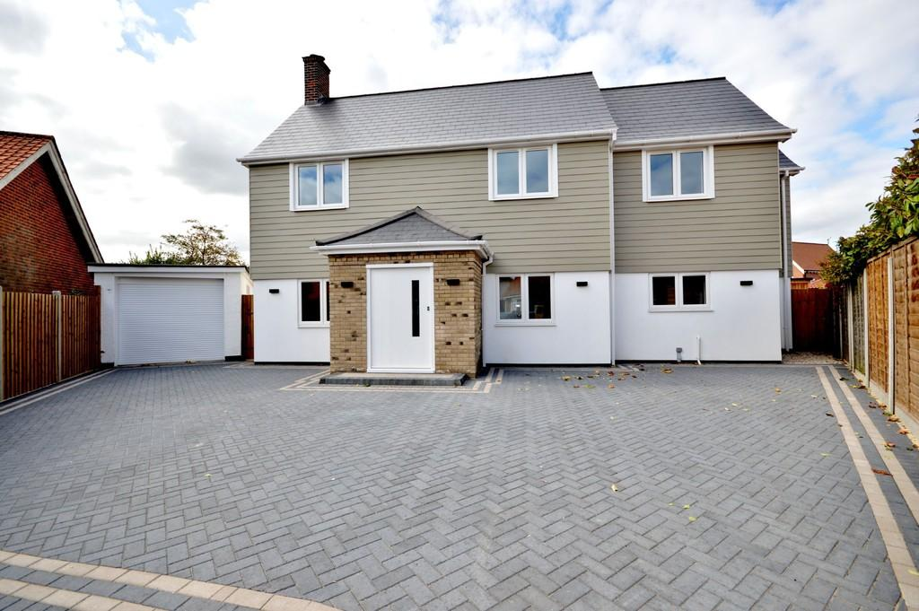 4 Bedrooms Detached House for sale in Brierley Avenue, West Mersea