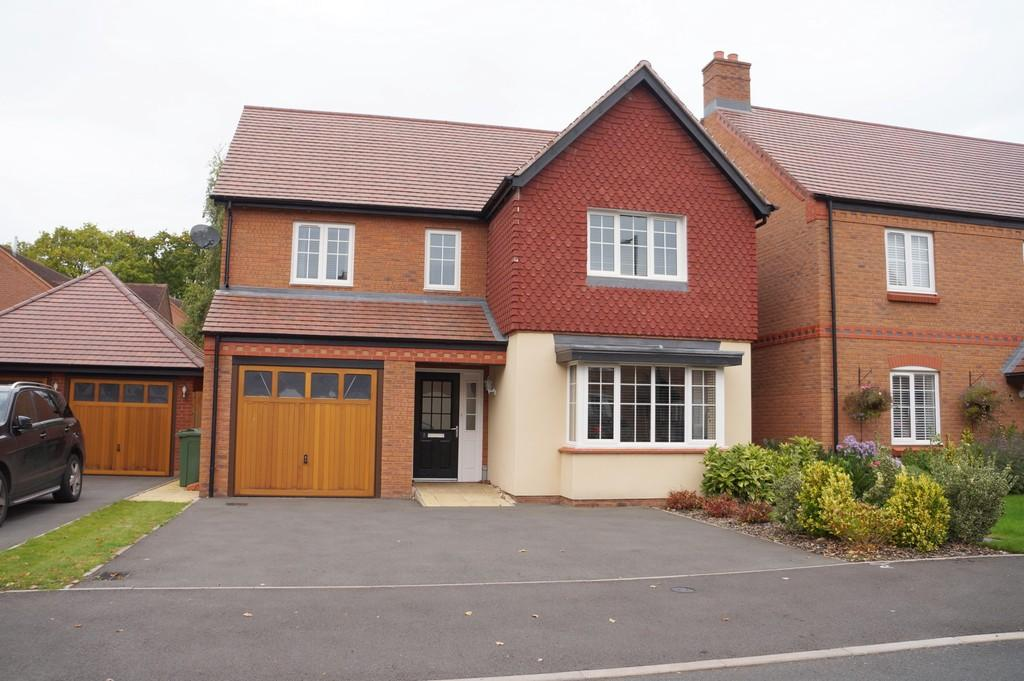 4 Bedrooms Detached House for sale in St Phillips Grove, Dorridge