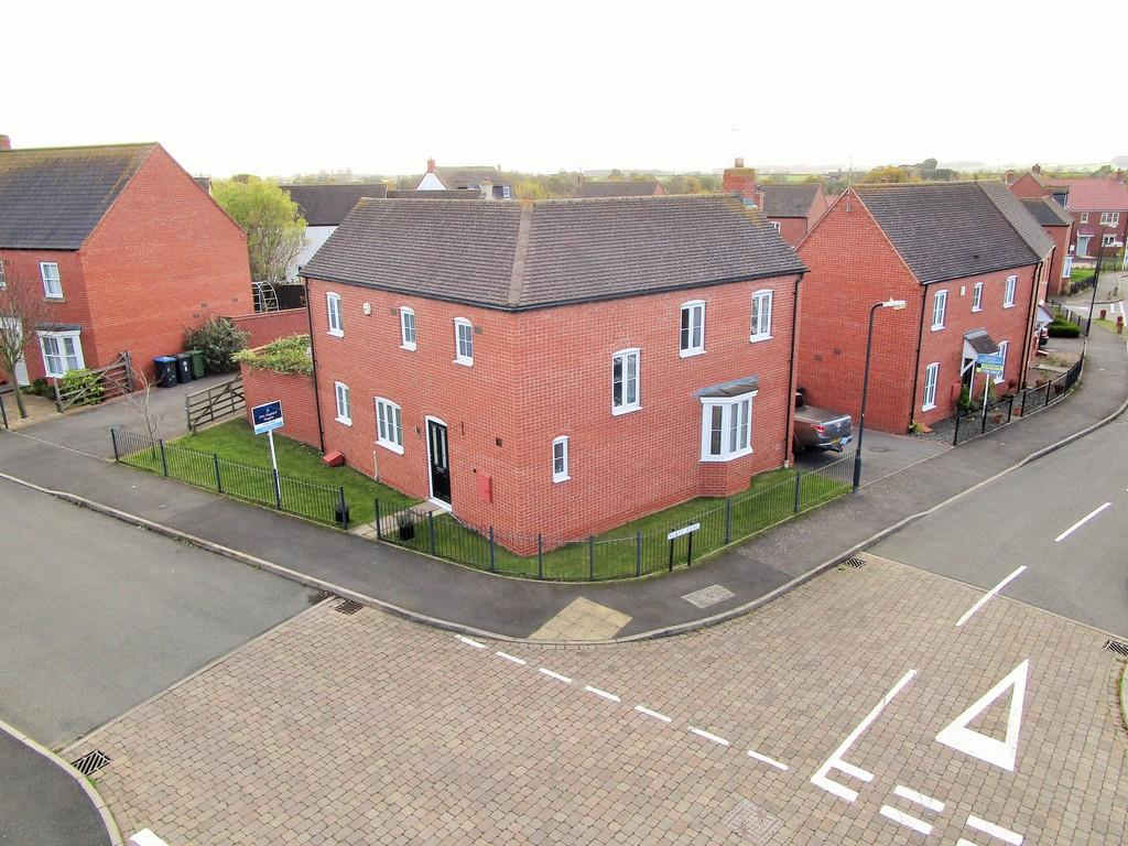 4 Bedrooms Detached House for sale in Trinity Mead, Stratford-upon-Avon
