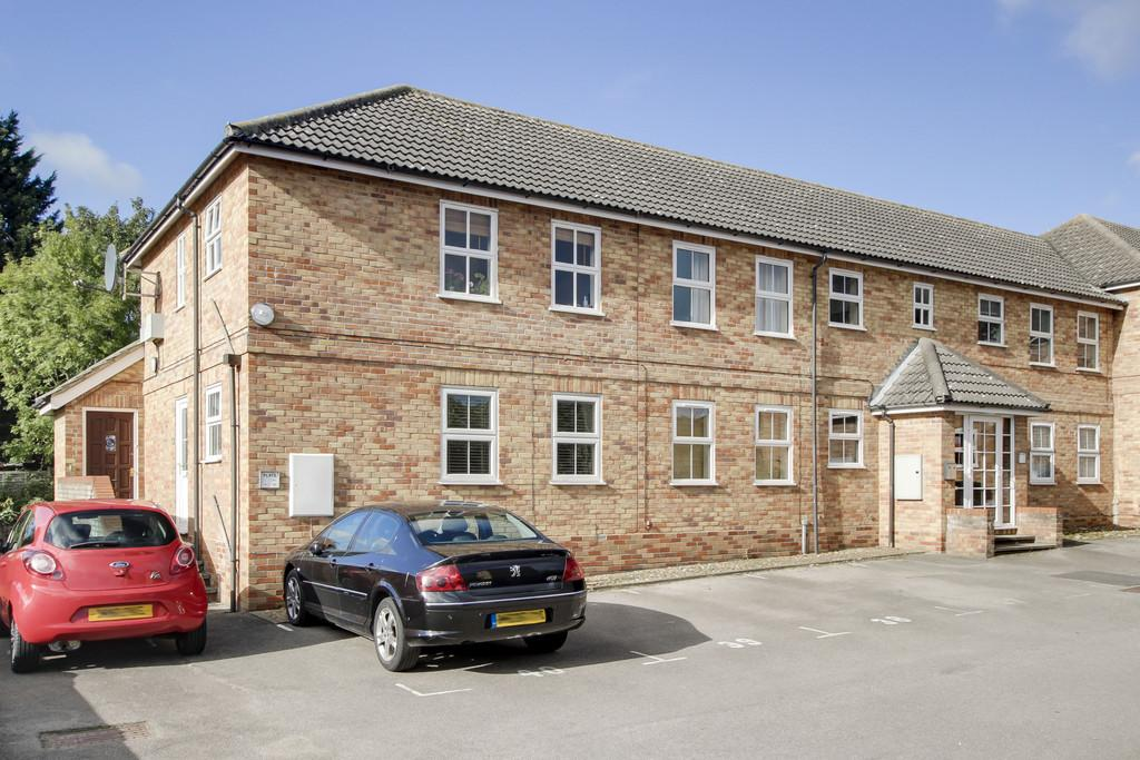 1 Bedroom Flat for sale in Linclare Place, Eaton Ford