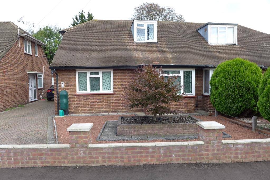 4 Bedrooms Bungalow for sale in Mill Way, Feltham