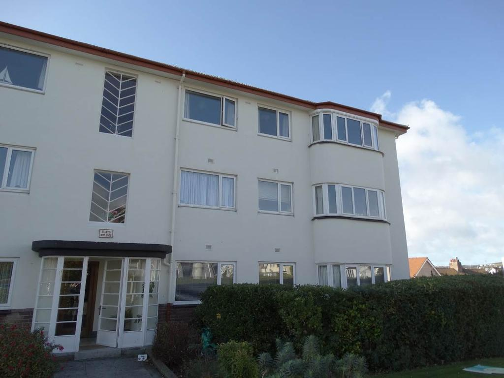 3 Bedrooms Ground Flat for sale in 8 Penrhyn Court Abbey Road, Rhos on Sea, LL28 4NY