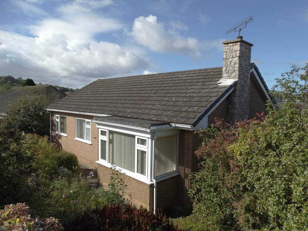 3 Bedrooms Detached Bungalow for sale in 123 Dinerth Road, Rhos on Sea, LL28 4YF