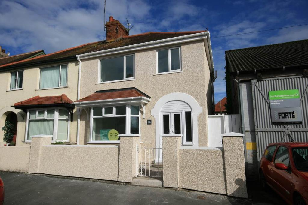 3 Bedrooms Semi Detached House for sale in Oswald Road, Llandudno Junction, LL31 9EP