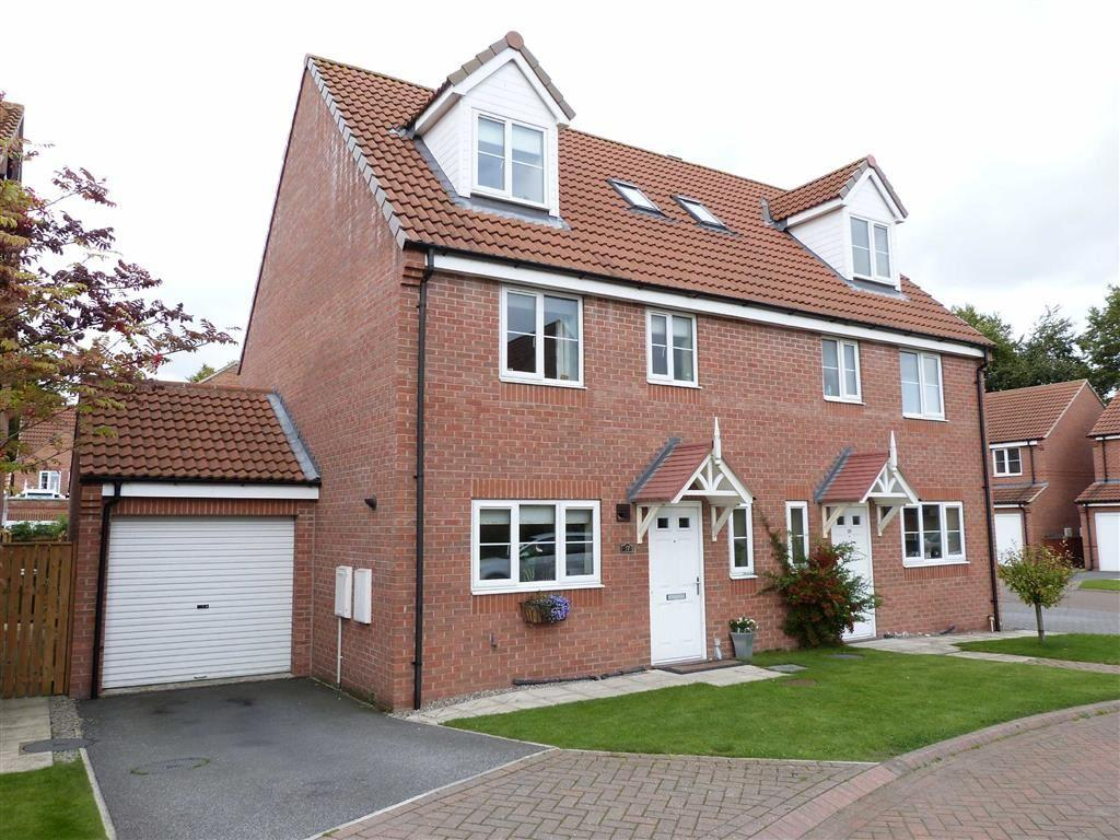 4 Bedrooms Semi Detached House for sale in Derek Vivian Close, Pocklington