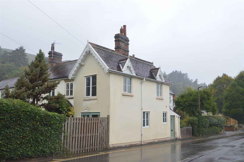 2 Bedrooms Terraced House for sale in 35 Shrewsbury Road, Church Stretton, SY6 6JD
