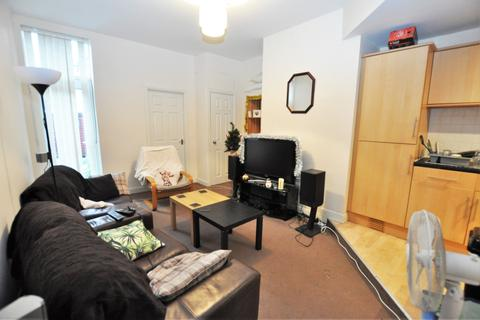 3 bedroom flat to rent - Starbeck Avenue, Newcastle Upon Tyne