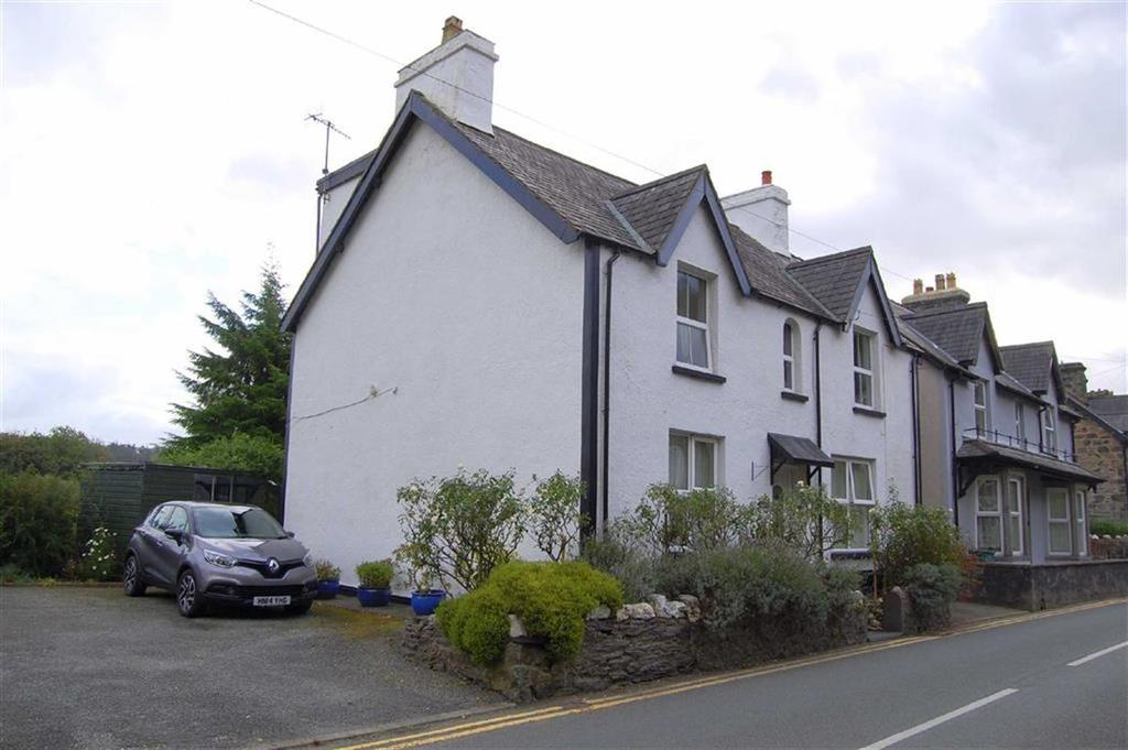 6 Bedrooms Detached House for sale in Llanrwst Road, Trefriw