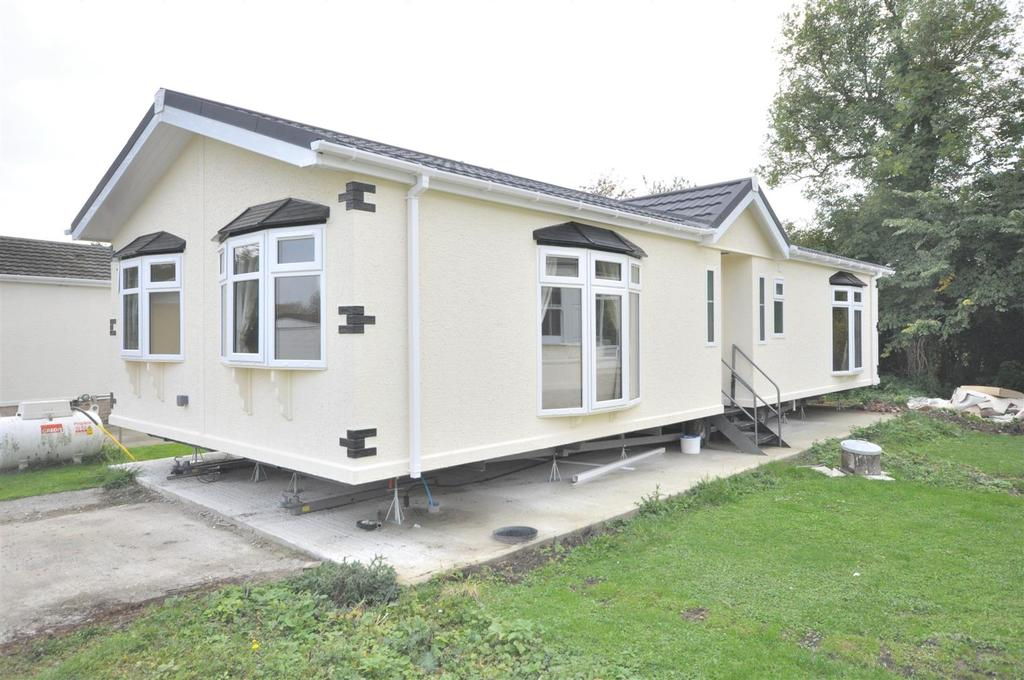 2 Bedrooms Park Home Mobile Home for sale in Harby Road, Langar