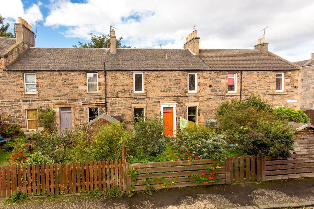 2 Bedrooms Flat for sale in 11 Shaw's Terrace, Edinburgh, EH7 4PJ