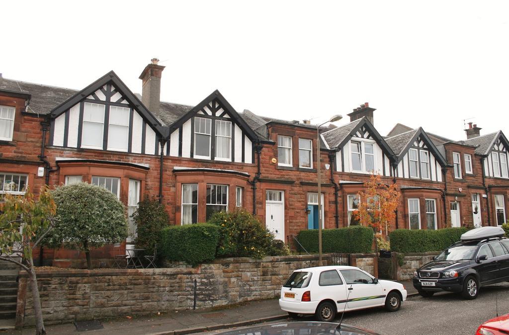 3 Bedrooms House for sale in 45 Queens Avenue, Blackhall, Edinburgh EH4 2DG