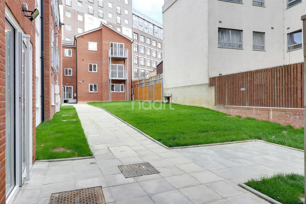 2 Bedrooms Flat for sale in London Benefits Bedfordshire Prices