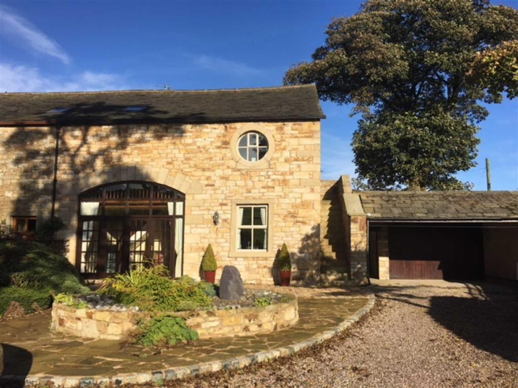 4 Bedrooms Barn Conversion Character Property for sale in Stocks Lane, Middop, Lancashire