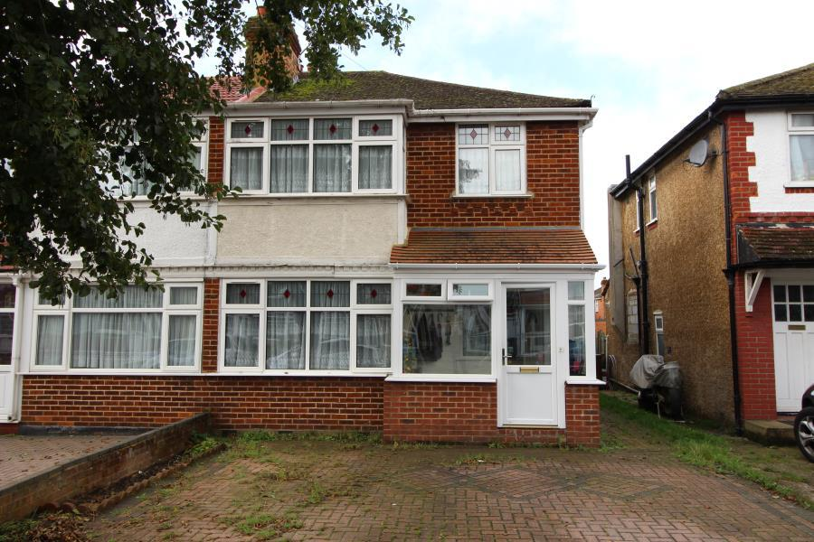 3 Bedrooms Semi Detached House for sale in Morley Crescent East, Stanmore HA7 2LG