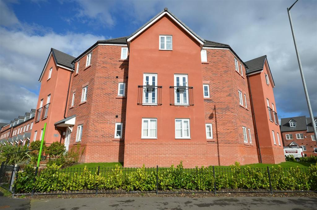2 Bedrooms Flat for sale in Layton Way, Prescot