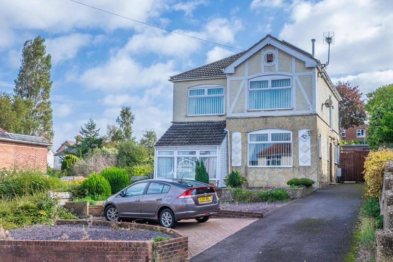 4 Bedrooms Detached House for sale in Uppleby Road, Parkstone, Poole