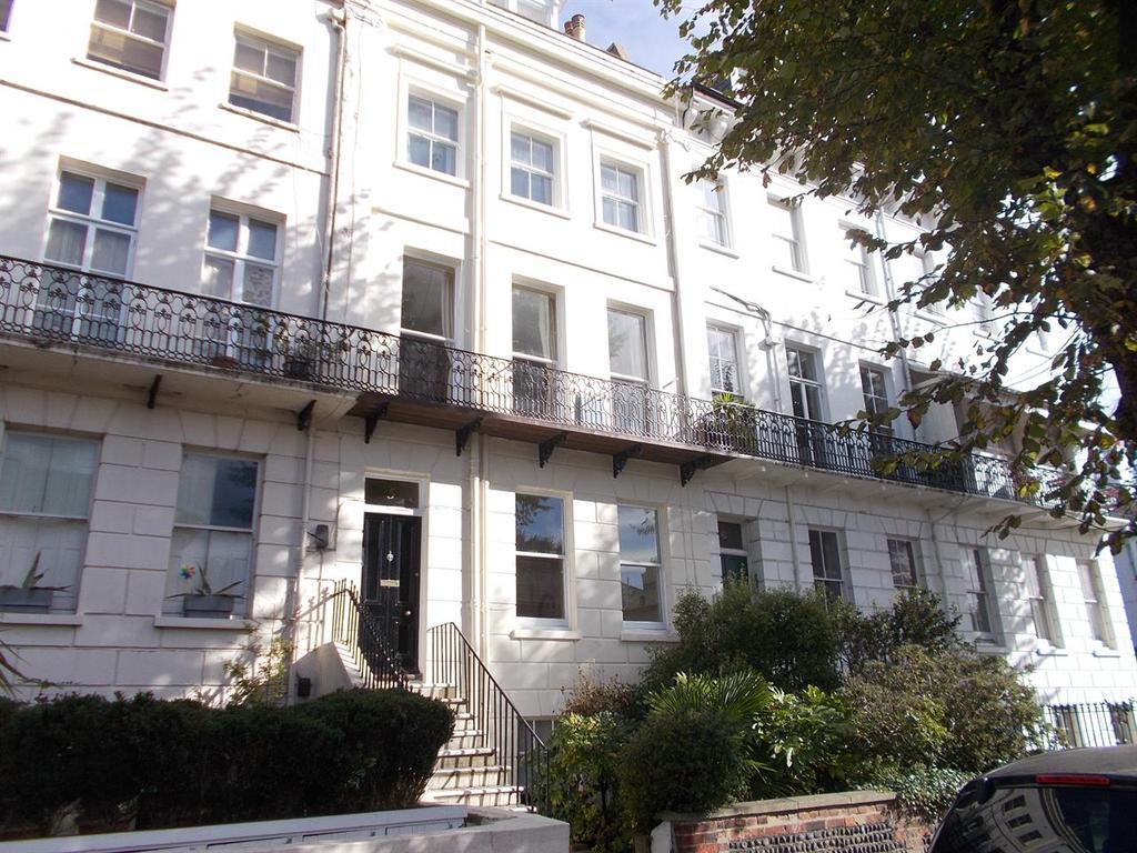 2 Bedrooms Flat for rent in Montpelier Terrace, Brighton