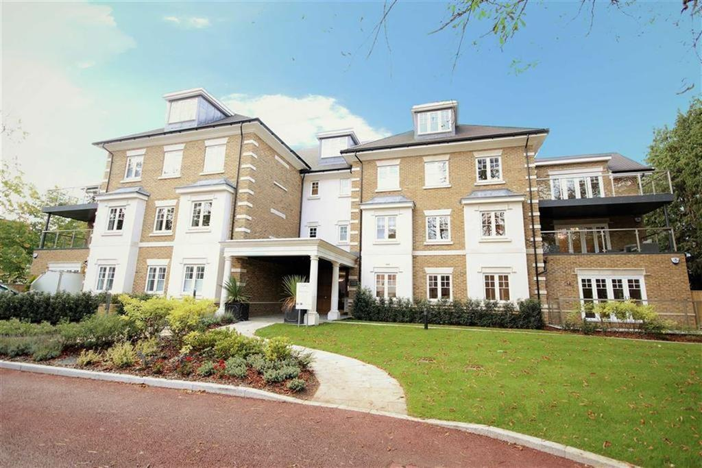 2 Bedrooms Flat for sale in Magpie Hall Road, Bushey, Herts