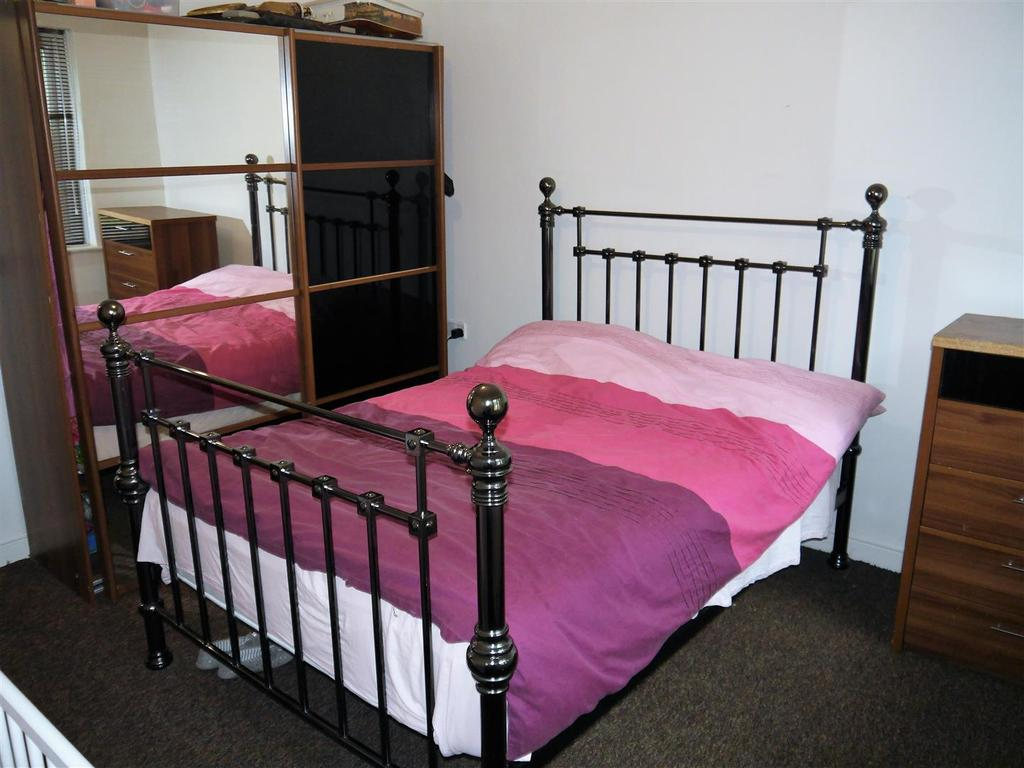 Bed b.jpg