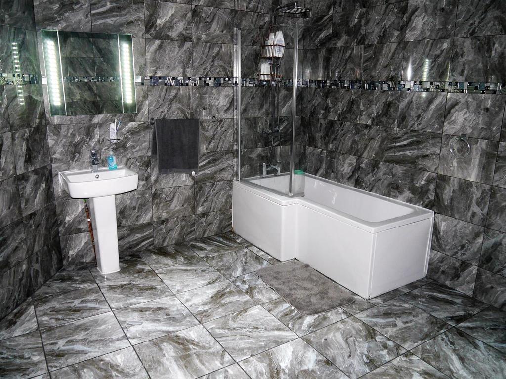 Bath c.jpg