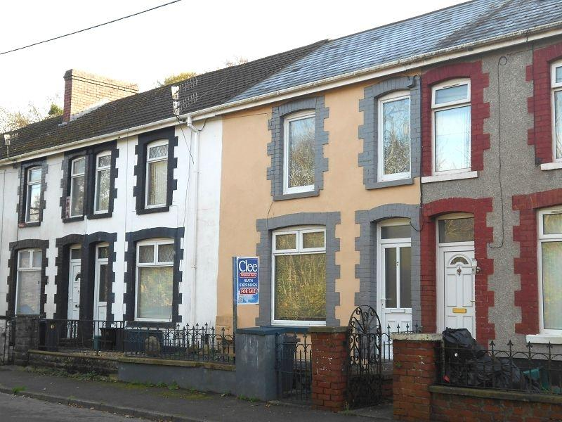 2 Bedrooms Terraced House for sale in Gored Terrace, Melincourt, Neath, Neath Port Talbot.