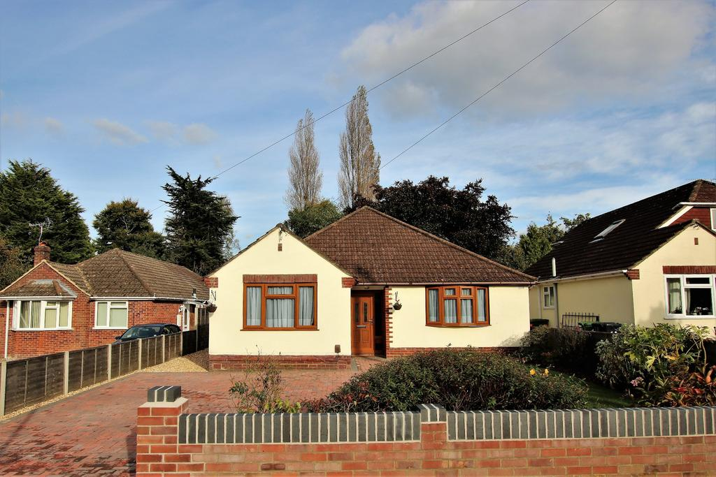 4 Bedrooms Chalet House for sale in West End, Southampton