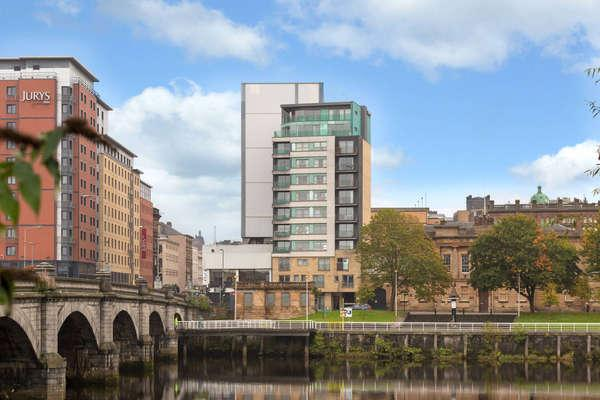 2 Bedrooms Flat for sale in 10/1, 308 Clyde Street, Glasgow, G1 4NP