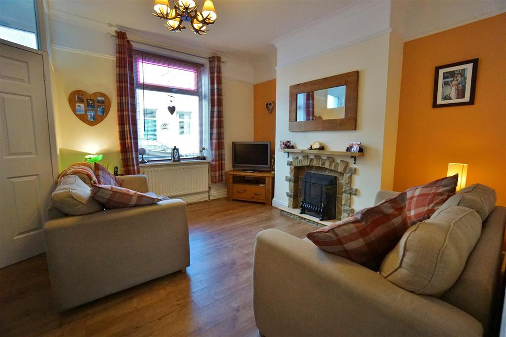 2 Bedrooms Terraced House for sale in Hambledon View, Read