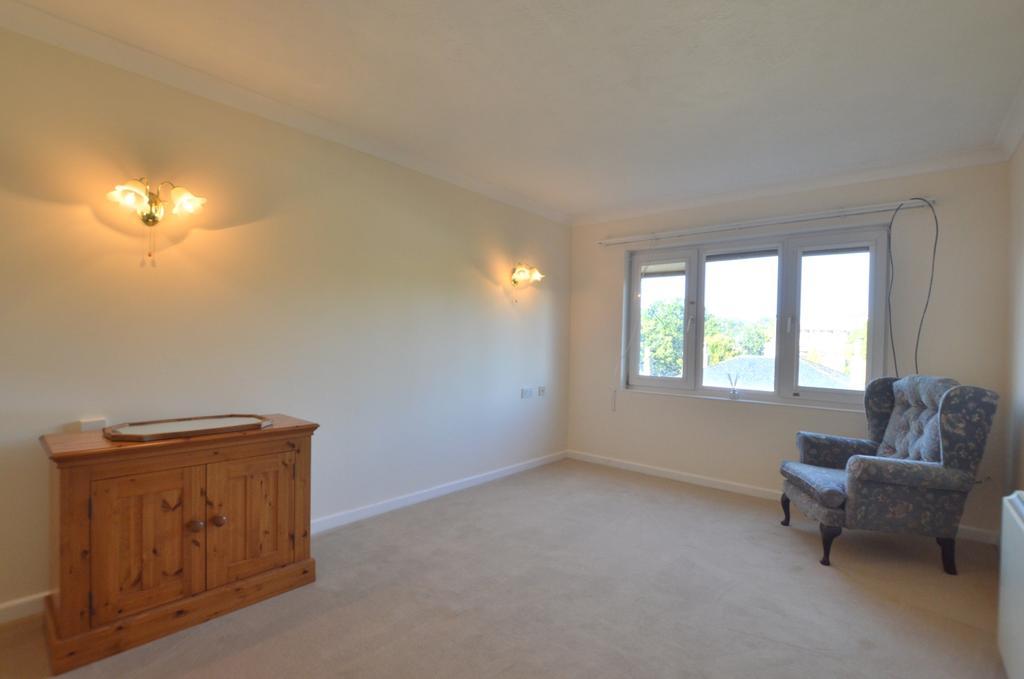 1 Bedroom Flat for sale in Jews Walk London SE26