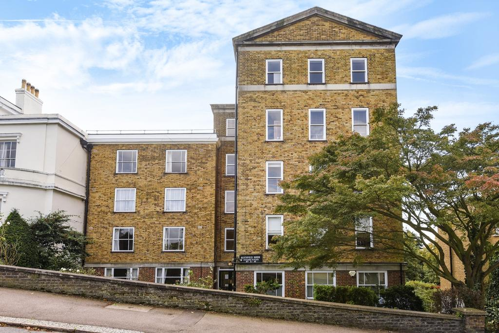 2 Bedrooms Flat for sale in Eliot Place, Blackheath SE3
