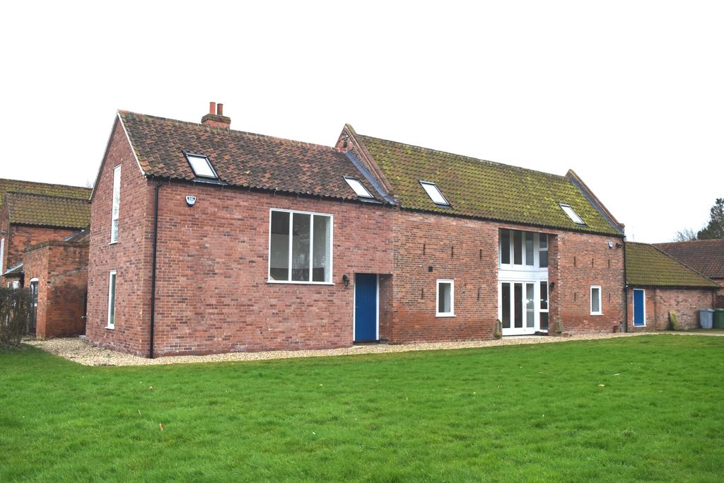 4 Bedrooms Barn Character Property