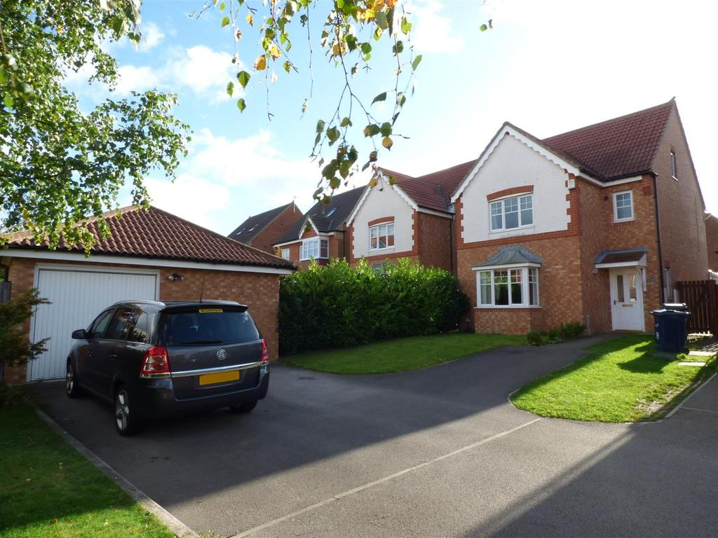 4 Bedrooms Detached House for sale in Ellesmere Close, Houghton Le Spring