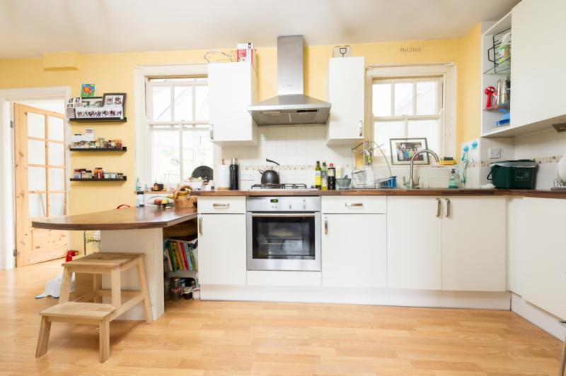2 Bedrooms Terraced House for sale in Church Cowley Road, Oxford, Oxfordshire