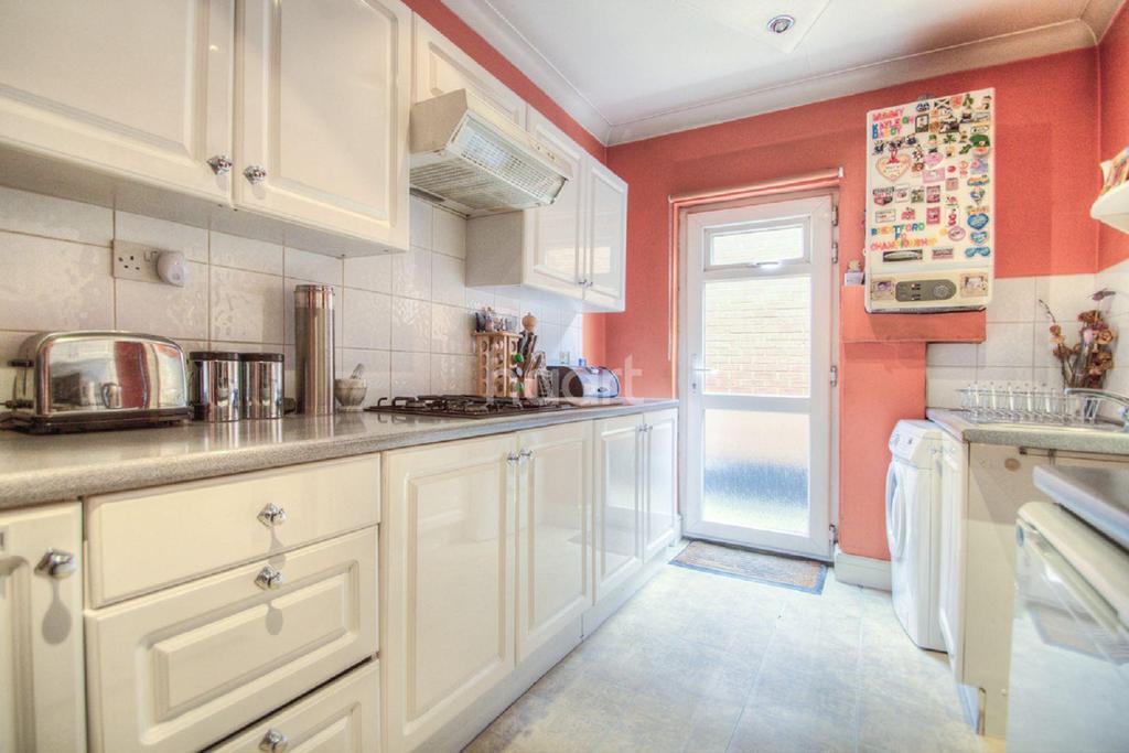 1 Bedroom Flat for sale in Kenton Lane, HA3