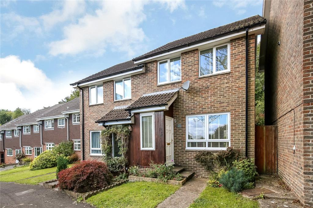 2 Bedrooms Semi Detached House for sale in Maple Drive, Kings Worthy, Winchester, Hampshire, SO23