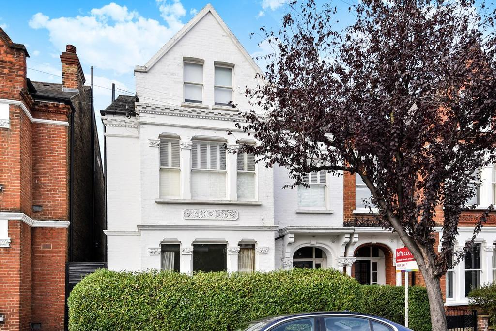 2 Bedrooms Flat for sale in Huron Road, Balham